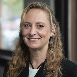 Amy Shelton professional headshot