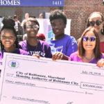 Alumna Rhonda Richetta with City Springs students