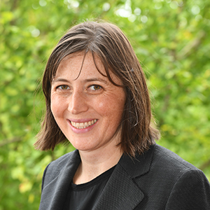 Laura Quaynor professional headshot